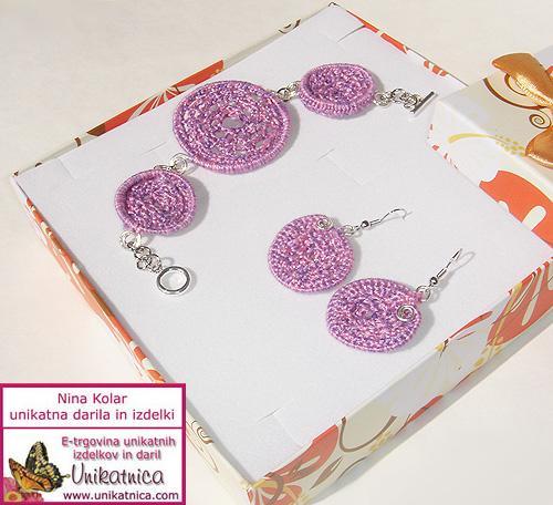 kvackan-nakit-vijolicna-zapestnica-uhani-fb