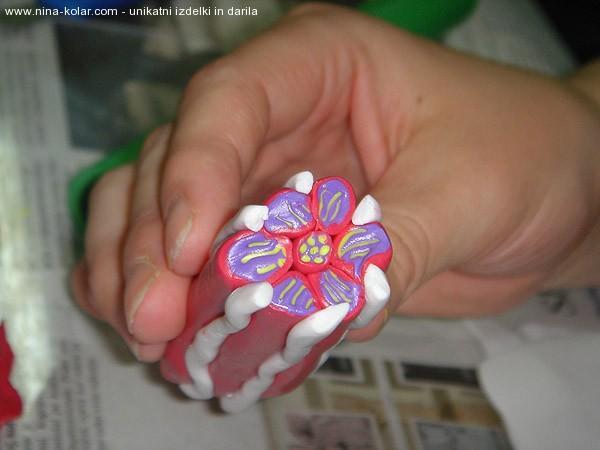 Ustvarjalne delavnice - Novo mesto - tehnika Mille Fiori -  vzorček v vijolični in bordo barvi