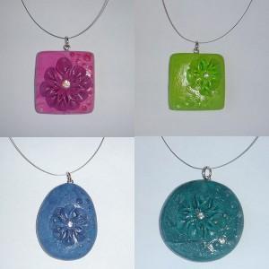 Majska nagradna igra - edinstvene z modnim nakitom - unikatnim obeskom.
