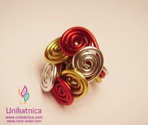 Ustvarjalne delavnice - nakit iz žice - Novo mesto 25. 3. 2914 - raznobarven prstan iz žice