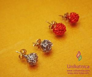 Ustvarjalne delavnice - nakit iz žice - Novo mesto 25. 3. 2014 - barviti uhančki