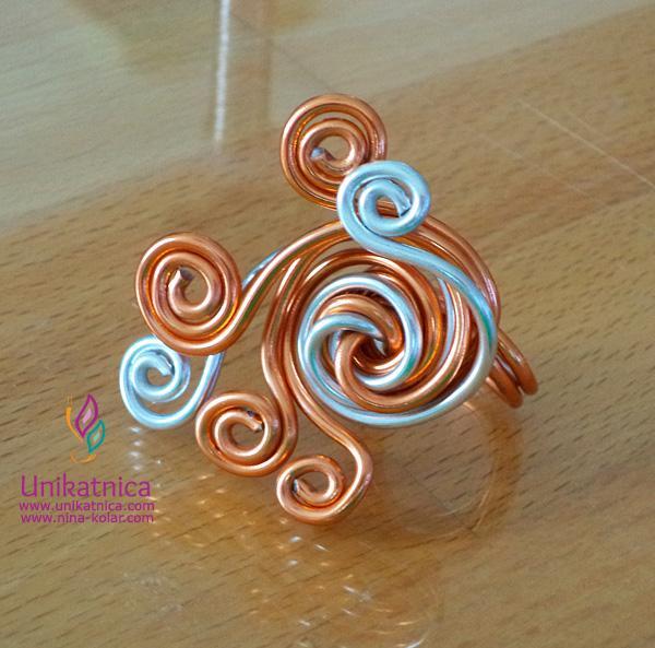 Fotoreportaža ustvarjalne delavnice izdelave nakita iz žice - Zagradec 24. 5. 2014
