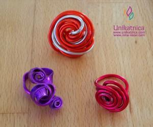 Fotoreportaža iz ustvarjalne delavnice izdelave nakita iz žice v Zagradcu - 24. 5. 2014 - Medtemi prstani bi zagotovo lahkoizbrali kakšnega zase, kajne? :)
