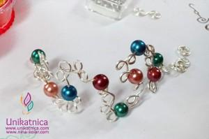 Ustvarjalne delavnice - še en prečudovit izdelek ene izmed ustvarjalk - zapestnica iz žice in perl