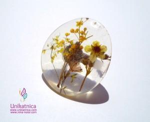 Cvetlični nakit - prstan z motivom cveta gozdne jagode