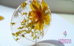 Cvetlični nakit - ogrlica z motivom rumenih cvetic