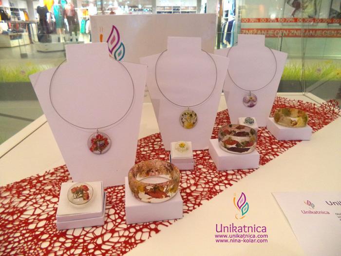 Razstava unikatnega nakita - cvetlični nakit v Qlandii Novo mesto, januar 2015