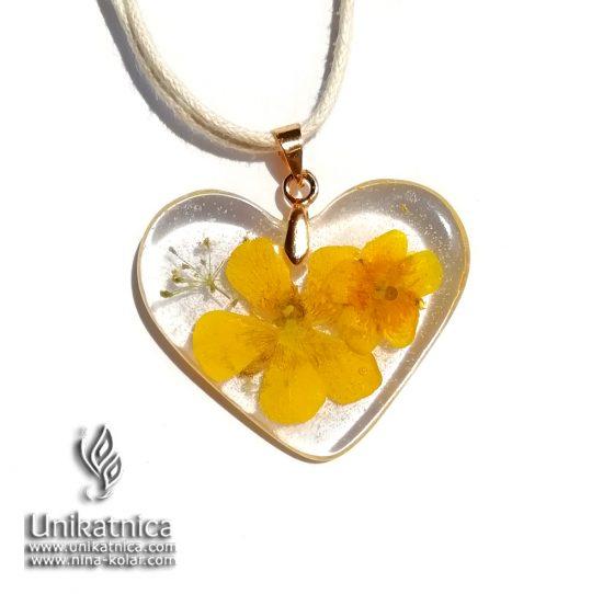 Cvetlična ogrlica z zlaticama