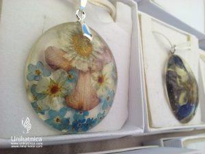 Dan Keltov in Rimljanov - cvetlična ogrlica