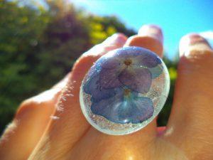 Cvetlični nakit - sveže - prstan s cvetovi modro vijolične hortenzije