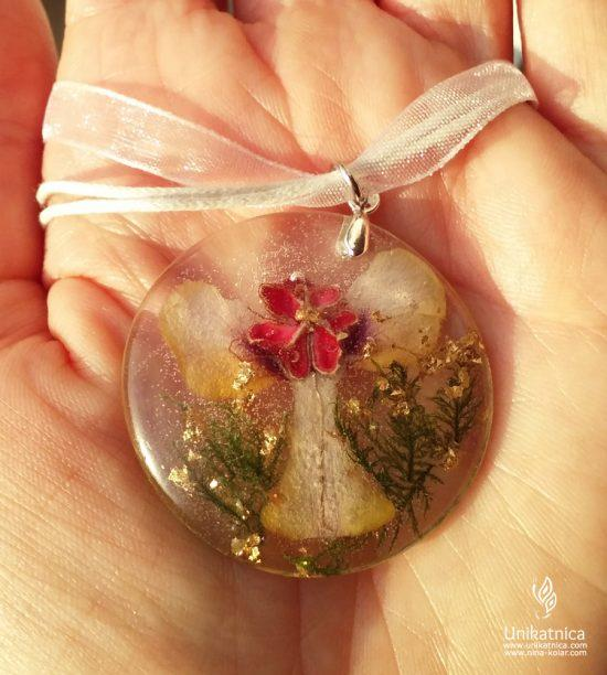 Angelsko vilinska cvetlična ogrlica