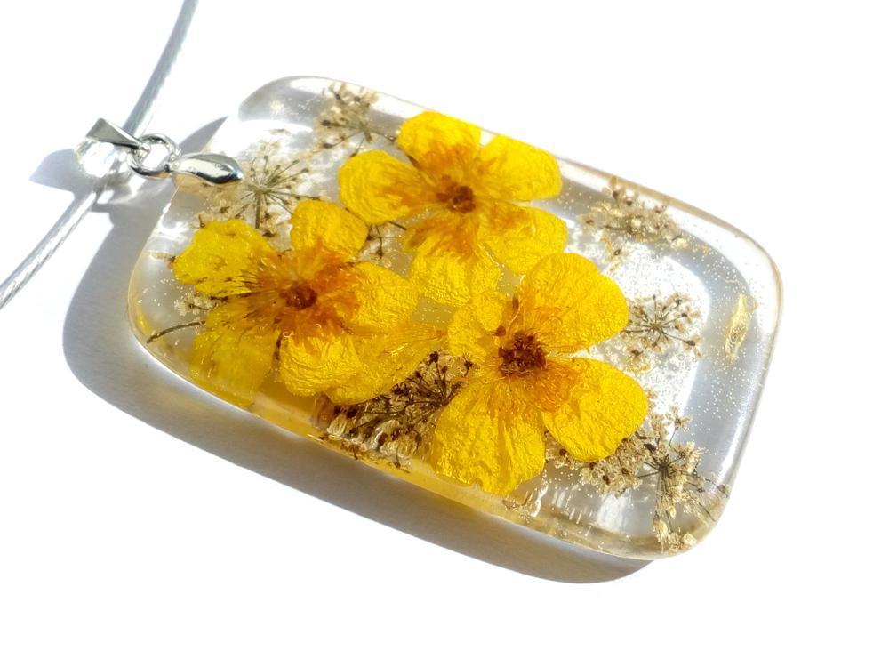 Cvetlični nakit - sveži izdelki to soboto na ljubljanskem ARTishu