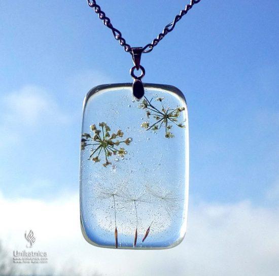 Regradova lučka - cvetlična ogrlica
