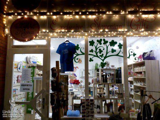 Rozinca - butična trgovina slovenskih izdelkov - pogled od zunal